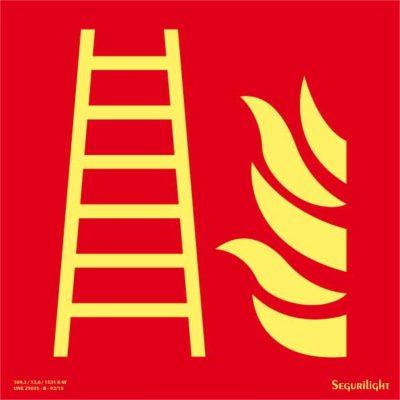 Escalera de incendios 86-2082
